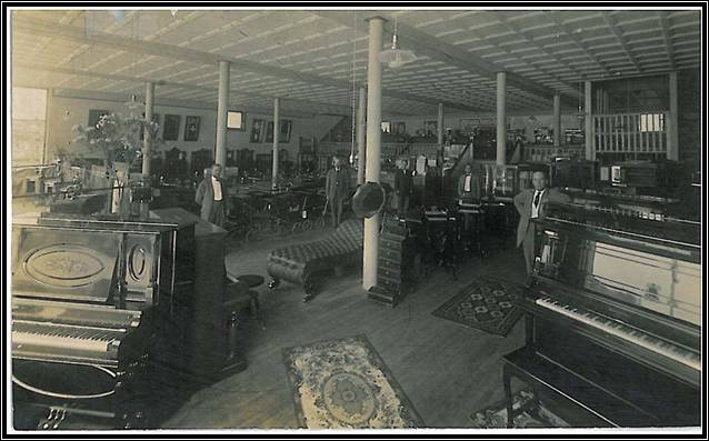 Interior (1913) of Gump, Walters & Dewey
