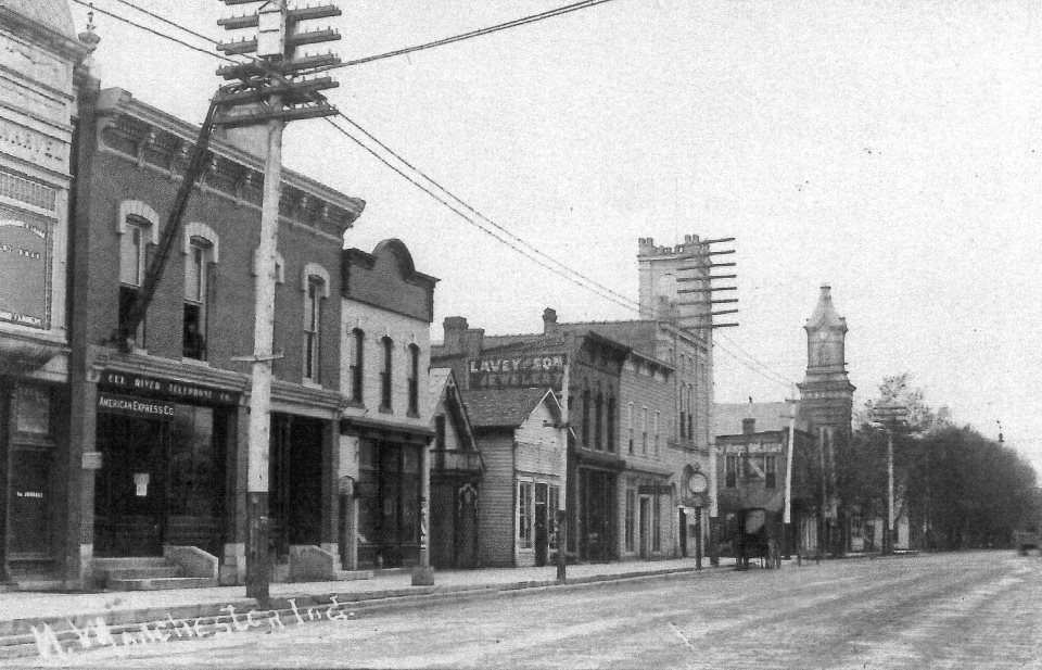 1911 photo of south side of 100 Block of East Main St., N. Manchester