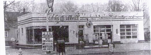 Chuck's Cities Service in 1959, North Manchester